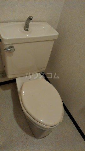 ハイバレー亀有 103号室のトイレ