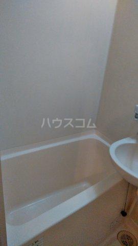 ハイバレー亀有 103号室の風呂