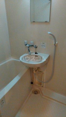 ハイバレー亀有 103号室の洗面所
