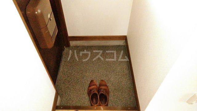 ジュノ 102号室の玄関