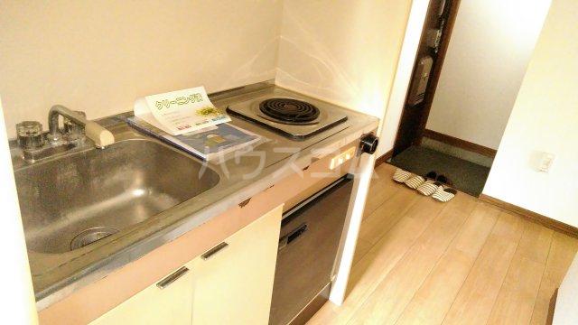 ジュノ 102号室のキッチン