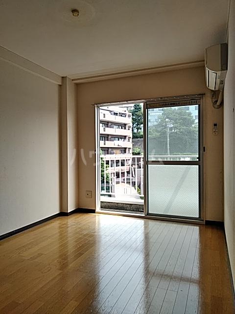 レジデンス西寺尾 405号室のベッドルーム