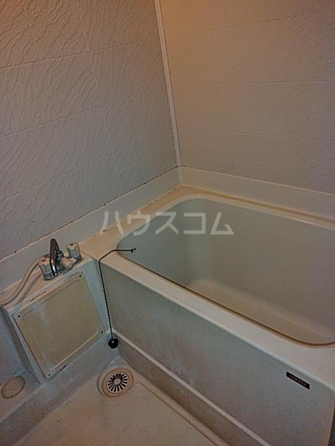 レジデンス西寺尾 405号室の風呂