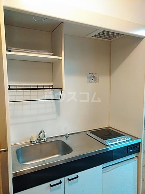 クオリティライフ慶 102号室のキッチン