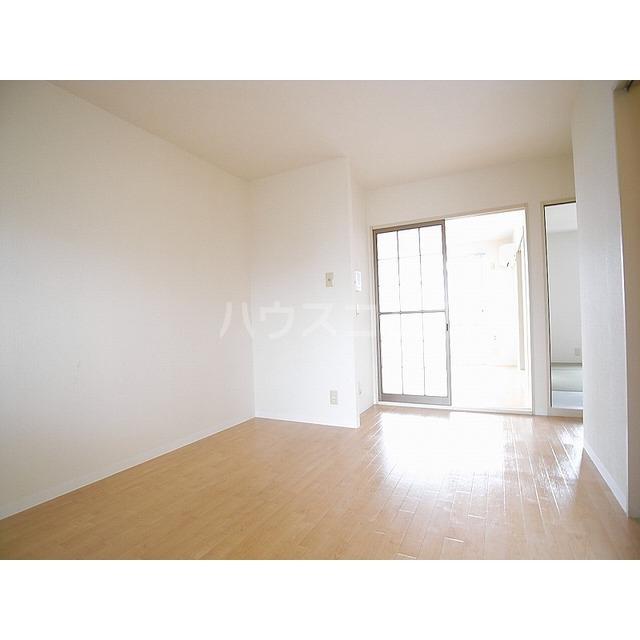 ベアーハイツ 102号室の居室