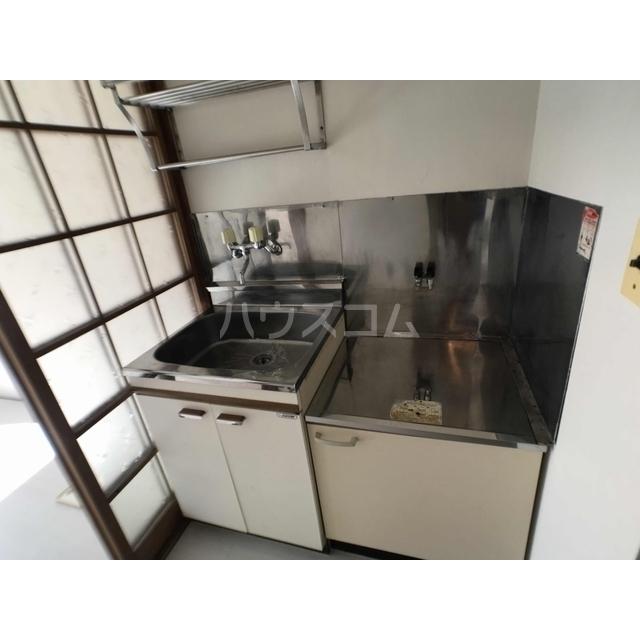 美鈴ハイツ 104号室のキッチン