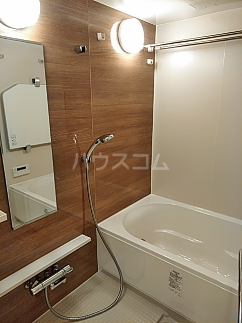 グランカーサ北浦和 101号室の風呂