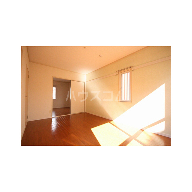 パークハイツ白鍬A 201号室の居室