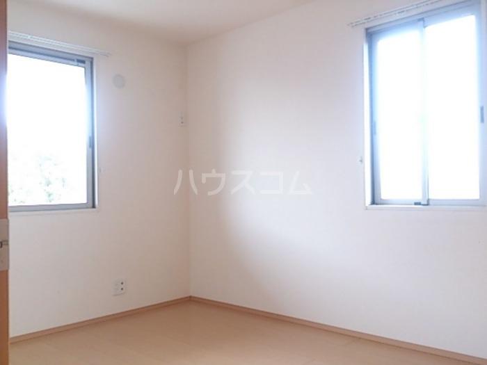 ジャルダン B201号室のベッドルーム