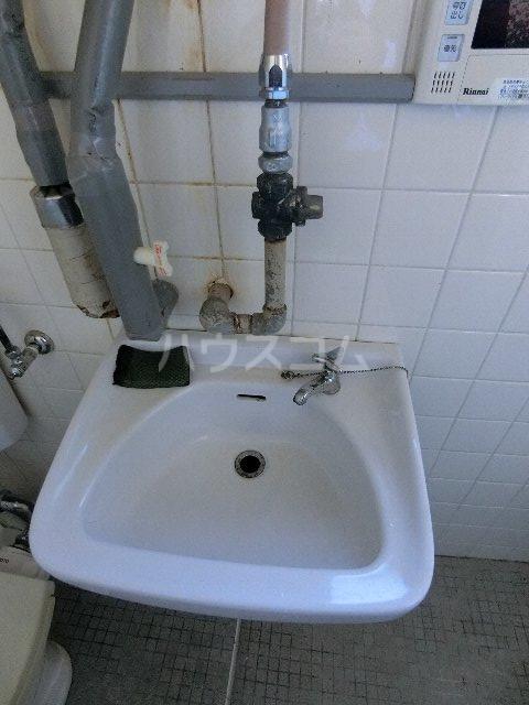 川口ビル 302号室の洗面所