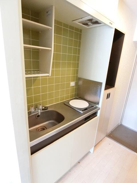 メゾン・ド・エソール 907号室のキッチン