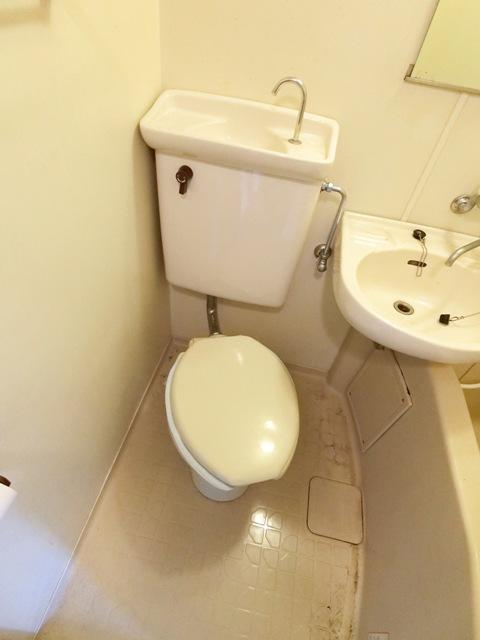 メゾン・ド・エソール 907号室のトイレ