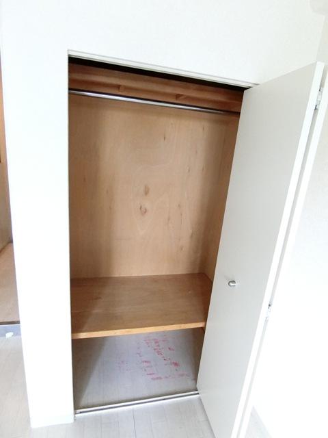 メゾン・ド・エソール 907号室の収納