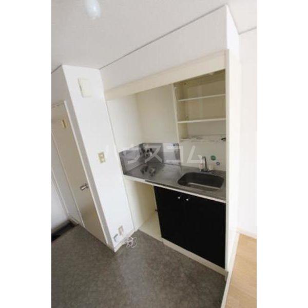 ウイング筥松 B105号室のキッチン
