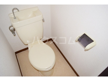 アートピア駅東 203号室のトイレ