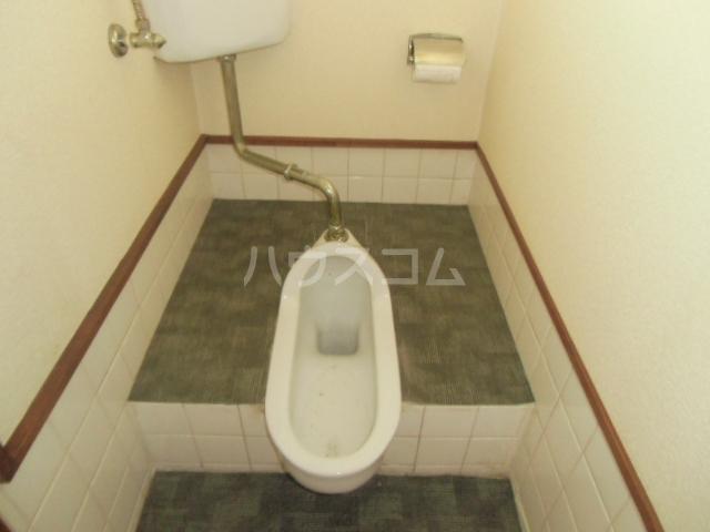 小山アパート 201号室のトイレ