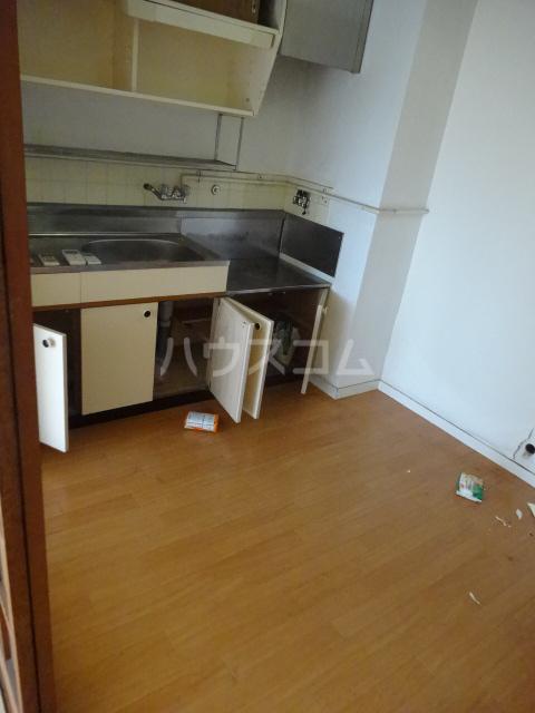 農協コーポⅡ 211号室のキッチン