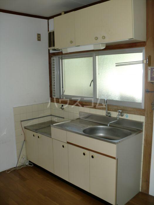 窪田ハイツ  201号室のキッチン