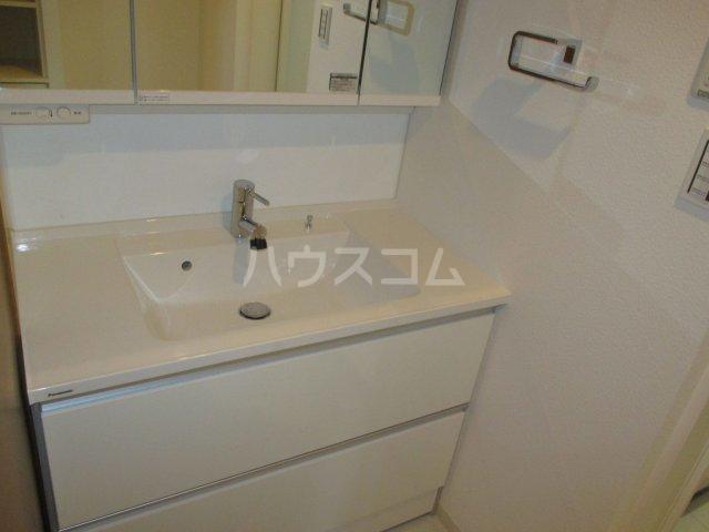 アンピール県庁駅前 1106号室の洗面所