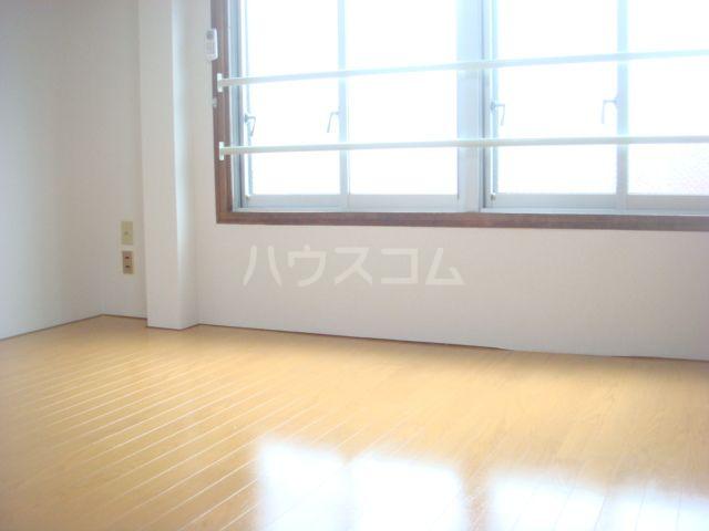 是永ビル 205号室のベッドルーム