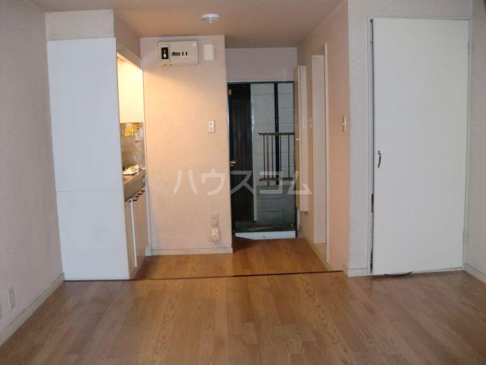 ネクス貝塚 103号室の玄関