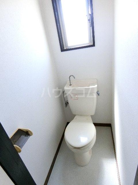 マキシム貝塚駅前 202号室のトイレ