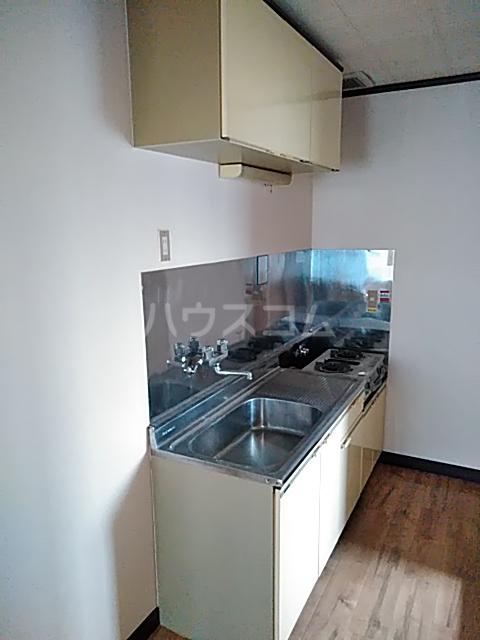 塩崎コーポ 201号室のキッチン