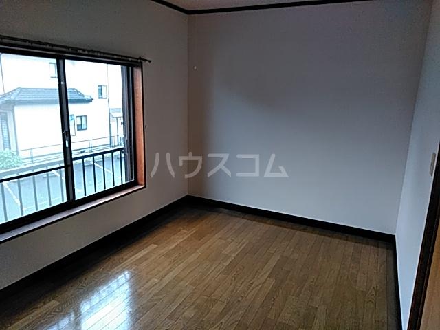 塩崎コーポ 201号室のリビング