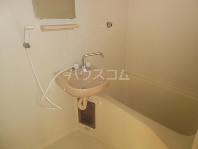 ソフィア川島 301号室の風呂