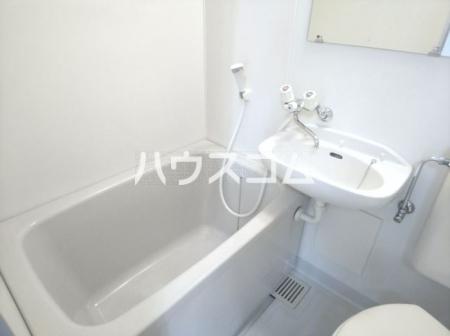 メゾン・ド・ファミーユ 101号室の風呂