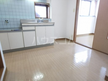 メゾン・ド・ファミーユ 101号室のキッチン