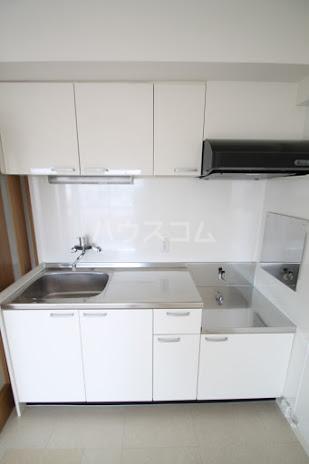 レジデンスHARUMI 305号室のキッチン