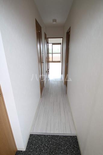 レジデンスHARUMI 305号室の玄関