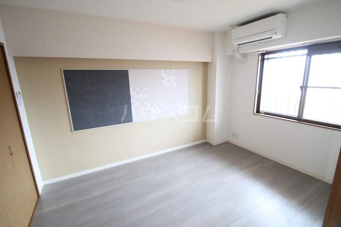 レジデンスHARUMI 305号室のベッドルーム