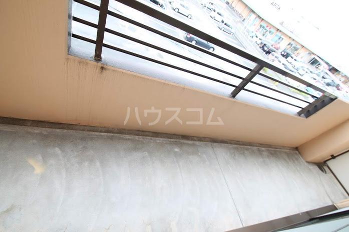 レジデンスHARUMI 305号室のバルコニー
