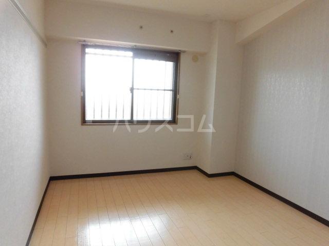 レジデンスHARUMI 403号室の居室