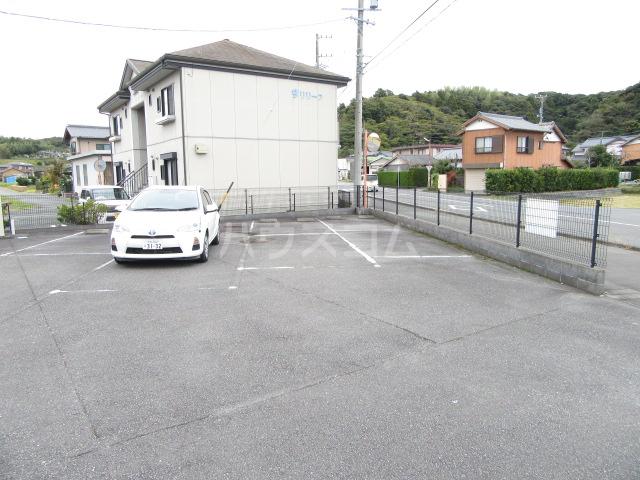 Suplus Ciel 102号室の駐車場