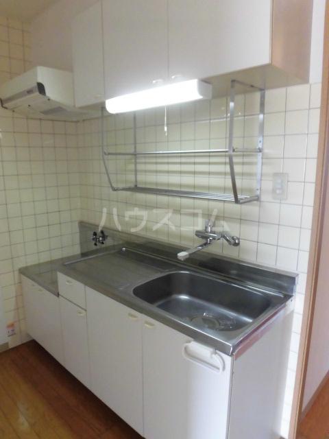 ベルアーバン 303号室のキッチン