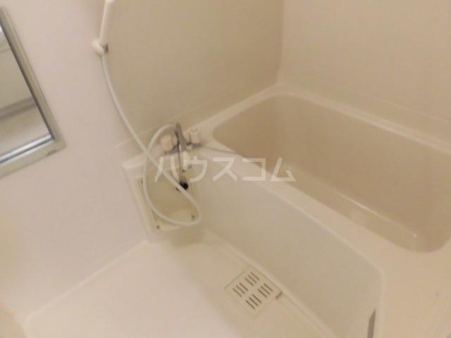 ベルアーバン 303号室の風呂
