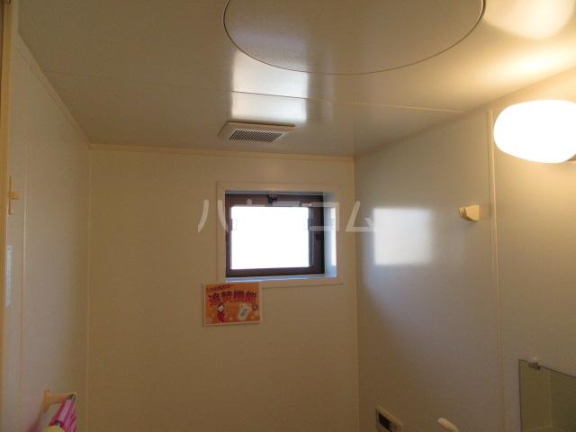 ハピネスウィルモア 203号室の風呂