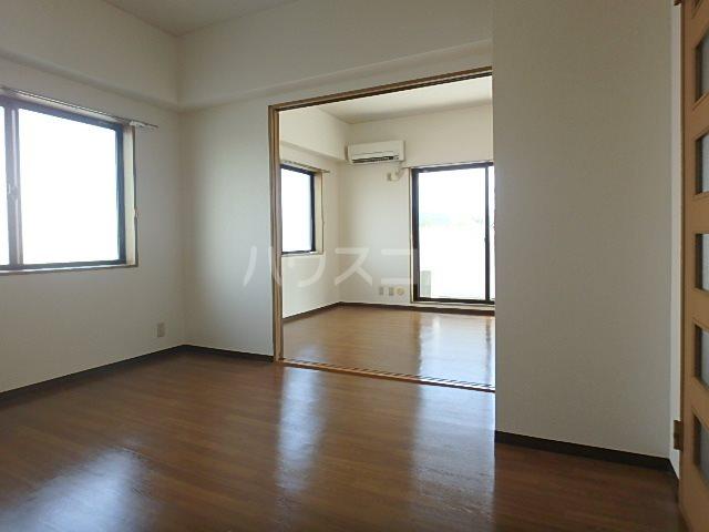 パシフィー松本 301号室のベッドルーム