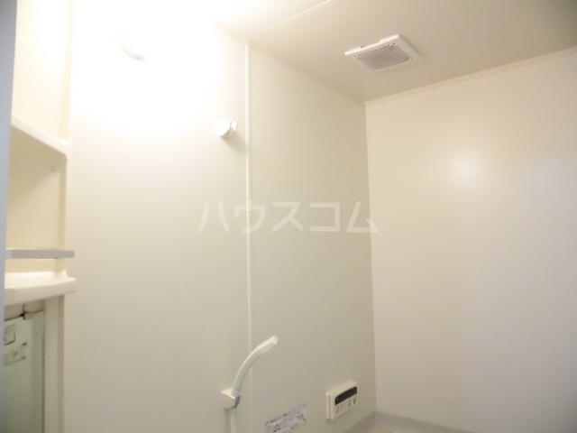 エクレール 101号室の風呂