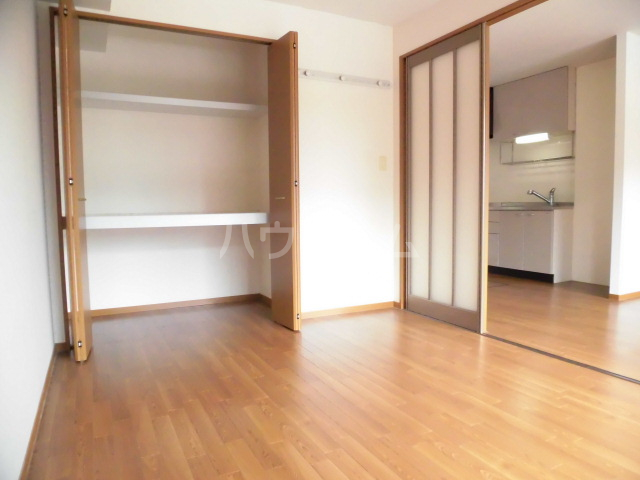 エクレール 101号室の居室