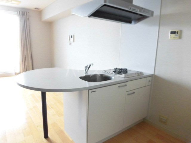 スマイルパークトダビル レジデンス 603号室のキッチン