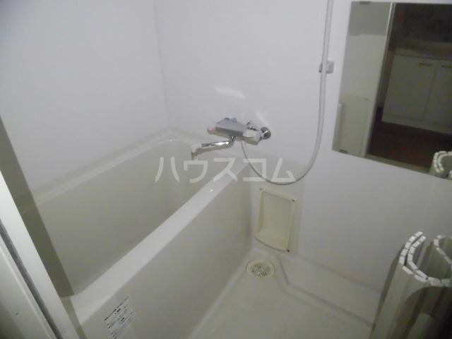 スマイルパークトダビル レジデンス 603号室の風呂