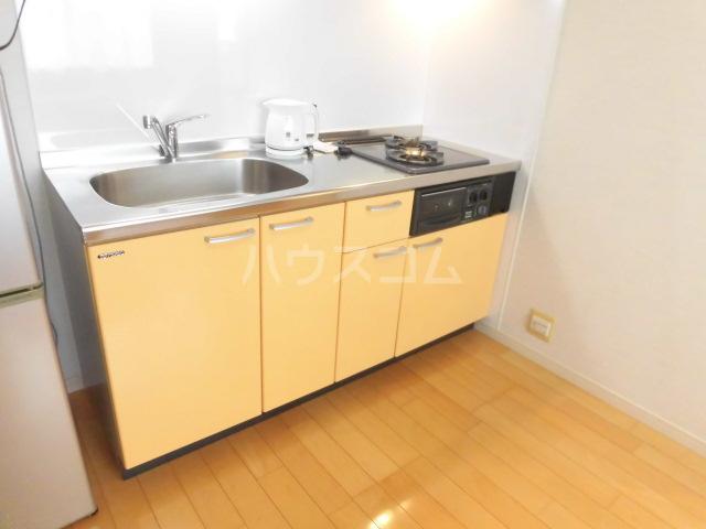 スマイルパークトダビル レジデンス 706号室のキッチン