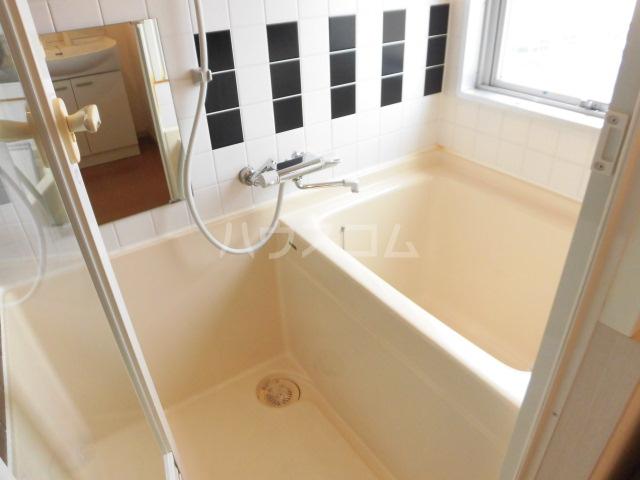 スマイルパークトダビル レジデンス 706号室の風呂