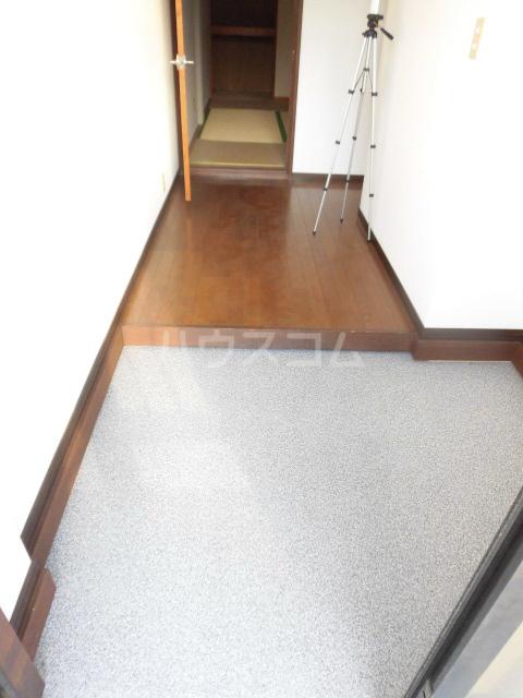 岩清水様アパート 2FS号室の玄関