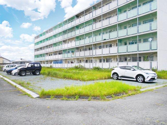 ビレッジハウス菊川1号棟 404号室の駐車場
