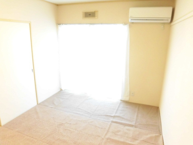 サンビレッジOGASA C棟 101号室のリビング